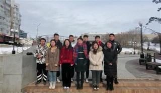 伊尔库茨克留学生为武汉加油!为中国加油!
