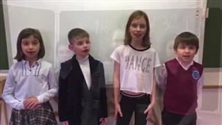 圣彼得堡32中学孔子课堂为武汉加油!为中国加油!