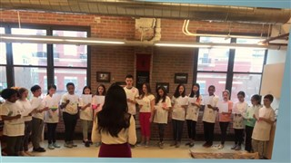 美國芝加哥蒙特梭利跨文化語言學校中文部學生演唱《讓世界充滿愛》